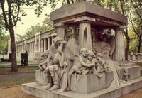 Friedhof in Budapest, 1988 RalphH/Timeline Images