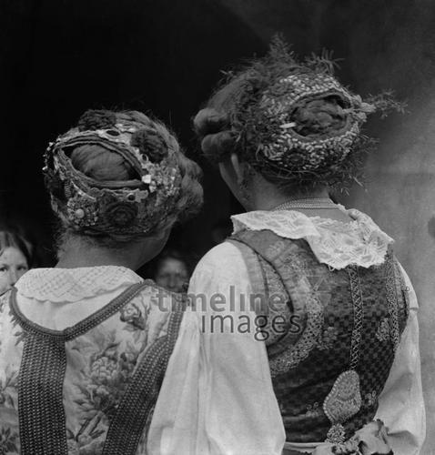 Frisuren Zur Tracht 1935 Fotocommunity Timeline Images