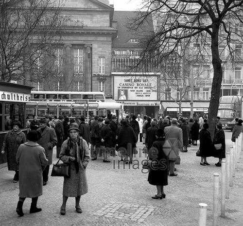 Haus Wien am Kurfürstendamm in Berlin, 1971 Juergen/Timeline Images