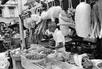 Hawker in Singapur, 1974 hwh089/Timeline Images