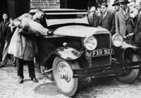 Holzgasauto in London, 1939 Timeline Classics/Timeline Images