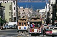 Hyde Street mit Cable Cars Raigro/Timeline Images