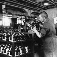 Industriearbeiter bei Bosch, 1936 Timeline Classics/Timeline Images