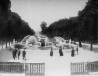Jardin Marco Polo in Paris Timeline Classics/Timeline Images