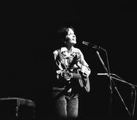 Joan Baez in der Deutschlandhalle in Berlin, 1977 Juergen/Timeline Images