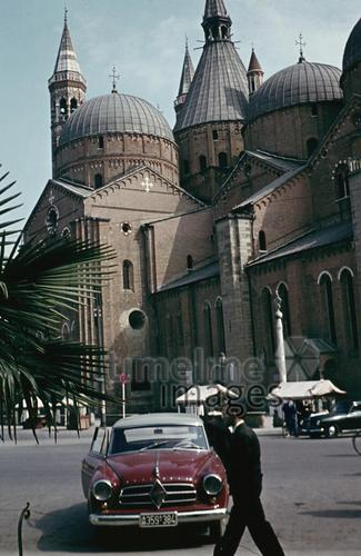 Kathedrale in Italien, 1955 RainerA/Timeline Images