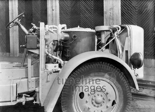 Kesselanlage eines Dampfbusses, 1934 – Fotocommunity Timeline Images