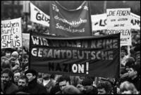 Liebknecht-Luxemburg-Demonstration 1990 Hans-Peter Stiebing/Timeline Images