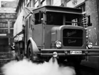 LKW mit Dampfbetrieb Timeline Classics/Timeline Images