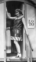 Lucy Doraine in Strandmode, um 1924 Timeline Classics/Timeline Images