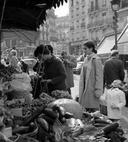 Markt in der Rue Mouffetard in Paris, 1967 Juergen/Timeline Images