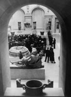 Museumsbesucher im Louvre, 1936 Timeline Classics/Timeline Images