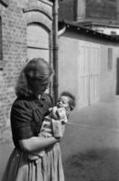 Mutter mit Kind, 1949 1Frido2/Timeline Images