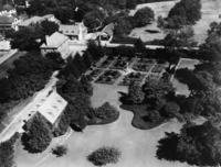 """Nelson House Gardens"" in Yorktown, 1937 Timeline Classics/Timeline Images"