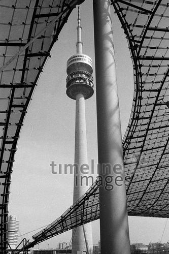 Olympiaturm in München, 1972 Schneckes/Timeline Images