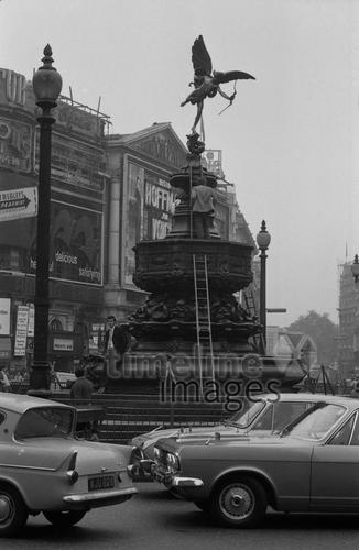 Piccadilly Circus, 1970er Jahre kurka/Timeline Images