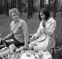 Picknick am Müggelsee, 1971 Juergen/Timeline Images