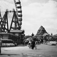Prater in Wien, 1938 Timeline Classics/Timeline Images