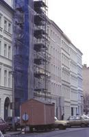 Renovierter Altbaustrassenzug in Berlin, 1991 Winter/Timeline Images