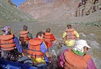 River Rafting Gruppe in Stromschnellen des Colorado River, 1993 Raigro/Timeline Images