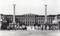 Rundreise Wien - Eger - Paris - Versailles United Archives / Wittmann/Timeline Images