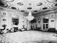 Salon im Waldorf Astoria-Hotel in New York, 1931 Timeline Classics/Timeline Images