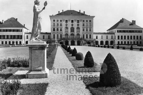 Schloss Nymphenburg in München Timeline Classics/Timeline Images