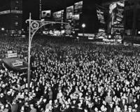 Silvesterfeier auf dem Broadway in New York, 1932 Timeline Classics/Timeline Images