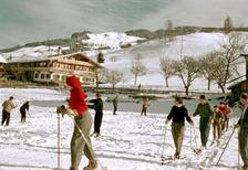 Skikurs in Tirol, 1956 Dillo/Timeline Images