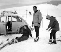 Skiunfall in der Hohen Tatra nahe Stary Smokovec, 1967 Juergen/Timeline Images