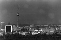 Skyline von Ost-Berlin Winter/Timeline Images