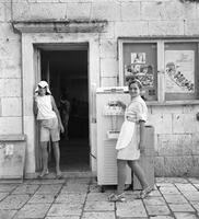 Softeismaschine in Hvar, 1969 Juergen/Timeline Images