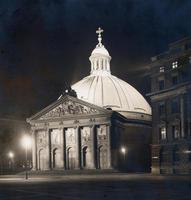 St. Hedwigskirche in Berlin bei Nacht, 1930 Timeline Classics/Timeline Images