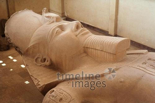 Statue des Ramses II. in Memphis, 1977 Czychowski/Timeline Images