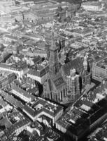 Stephansdom in Wien, 1939 Timeline Classics/Timeline Images