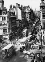 Straßenszene in der Fleet Street in London, 1939 Timeline Classics/Timeline Images