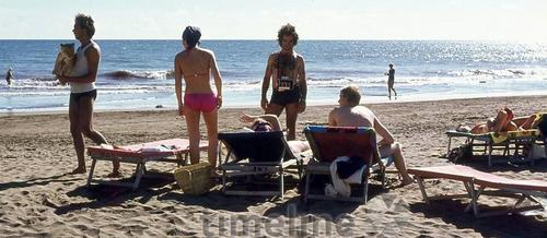 Strandfotograf in Action. San Agustin Gran Canaria 1976 Juergen/Timeline Images