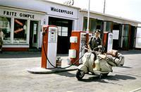 Tankstelle in Memmingen, 1955 Dillo/Timeline Images