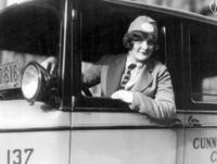 Taxifahrerin in Philadelphia, 1926 Timeline Classics/Timeline Images