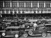 Taxis in Berlin, 1932 Timeline Classics/Timeline Images