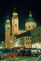Theatinerkirche am Odeonsplatz bei Nacht in 1984 Raigro/Timeline Images