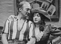 Therese Giehse und Hans Albers in 'Liliom', 1931 Timeline Classics/Timeline Images