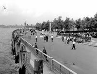 Uferpromenade am Battery Park, 1962 Juergen/Timeline Images