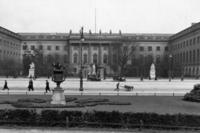 Universität in Berlin, ca. 1900-1913 Timeline Classics/Timeline Images