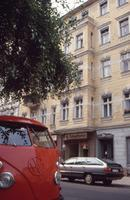 VW-Bulli in Charlottenburg, Berlin, 1990 RalphH/Timeline Images