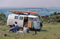 VW-Bus mit Surfbrett, 1980 Raigro/Timeline Images
