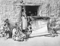 Weberei in Algier, 1905 Timeline Classics/Timeline Images