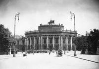 Wiener Burgtheater, 1925 Timeline Classics/Timeline Images