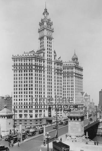 Wrigley Building in Chicago, 1931 Timeline Classics/Timeline Images