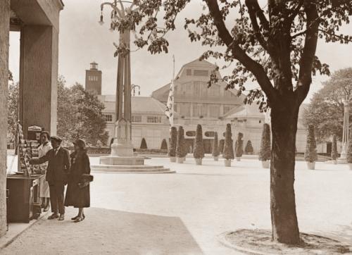 Wie beschreibe ich historische Fotos richtig? Vorderseite